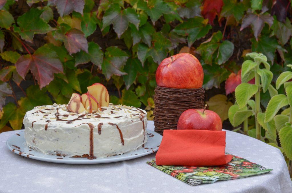 low_HerbstlicheApfelsahnetorte2